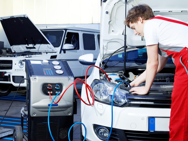 Plnění a čištění klimatizace